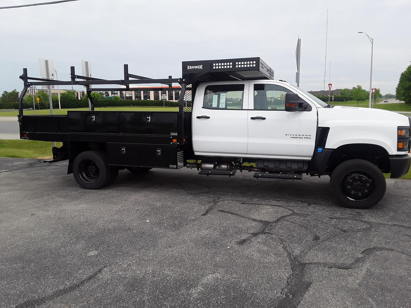 2021 Chevrolet Silverado 4500 Crew Cab DRW 4x4, Knapheide Concrete Concrete Body #MH645307 - photo 1