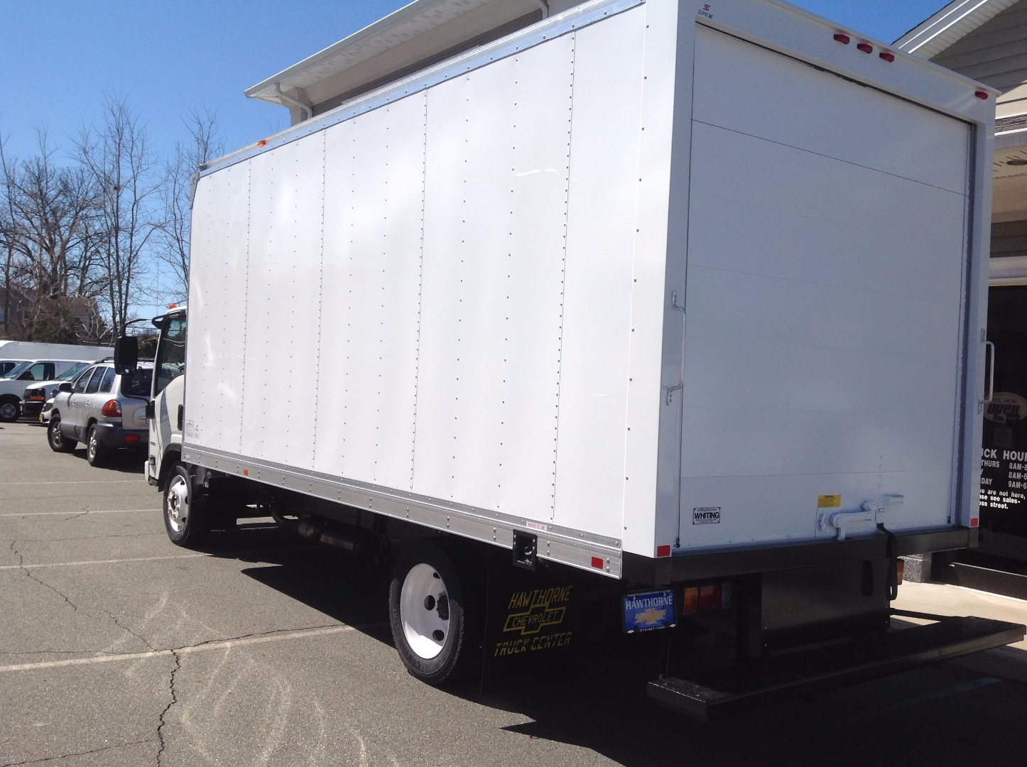 2017 LCF 4500 Regular Cab, Supreme Dry Freight #C172451 - photo 2