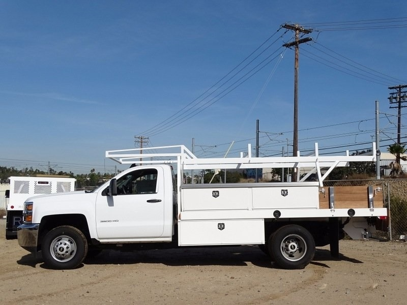2017 Silverado 3500 Regular Cab DRW, Contractor Body #173384 - photo 4