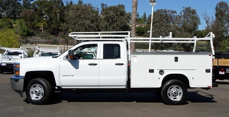 2017 Silverado 2500 Double Cab, Knapheide Standard Service Body #173433 - photo 4
