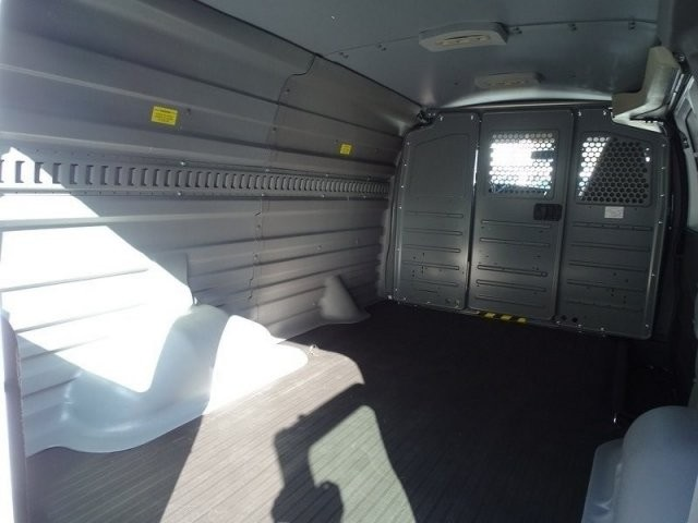 2018 Express 2500 4x2,  Empty Cargo Van #183415 - photo 2