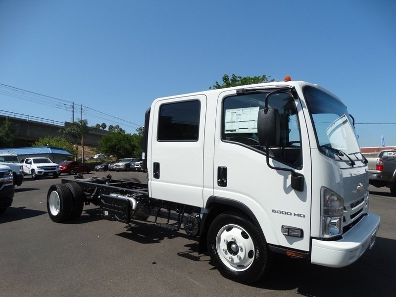 2018 LCF 5500HD Crew Cab,  Cab Chassis #184004 - photo 11