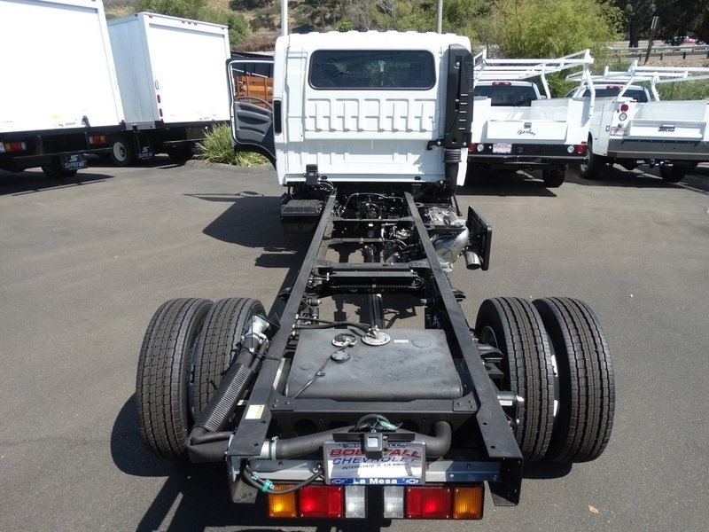 2018 LCF 5500HD Crew Cab,  Cab Chassis #184004 - photo 31