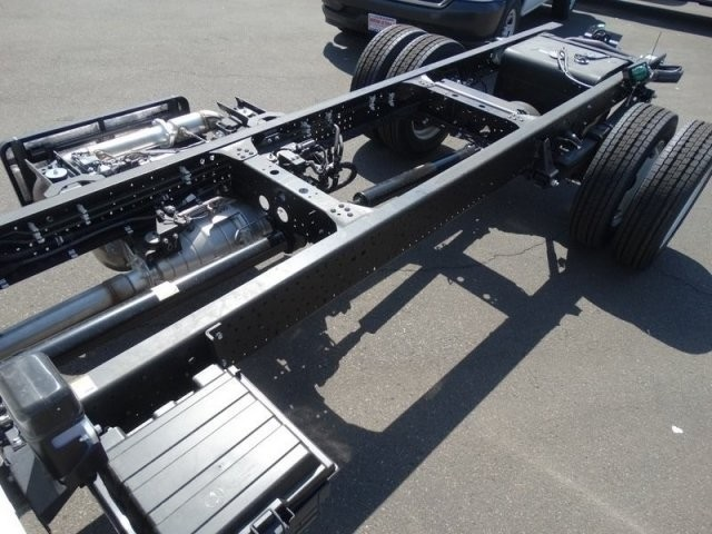 2018 LCF 5500HD Crew Cab,  Cab Chassis #184004 - photo 26