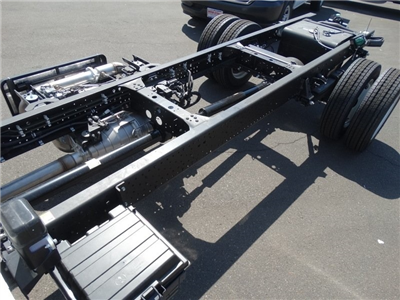 2018 LCF 5500HD Crew Cab, Cab Chassis #184004 - photo 29