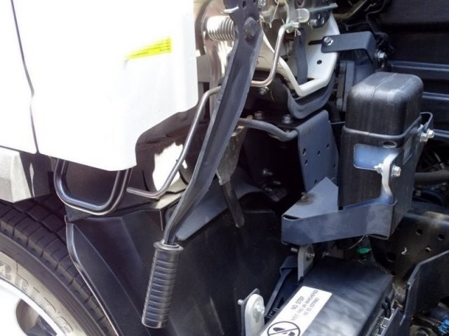 2018 LCF 5500HD Regular Cab,  American Truck Bodies Landscape Dump #184011 - photo 16