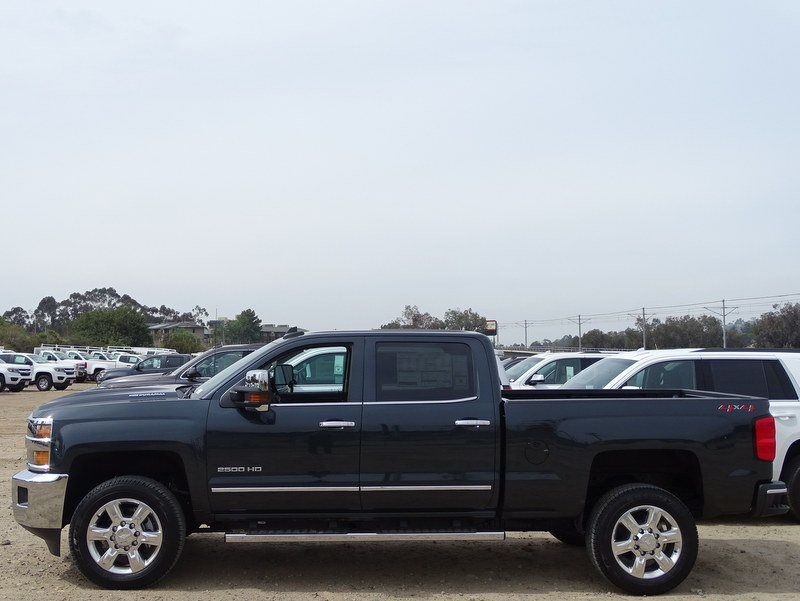 2018 Silverado 2500 Crew Cab 4x4,  Pickup #185577 - photo 3