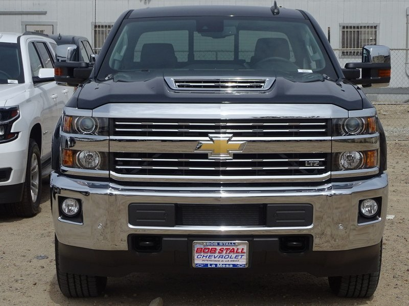 2018 Silverado 2500 Crew Cab 4x4,  Pickup #185577 - photo 4