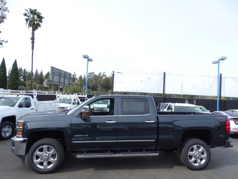 2018 Silverado 2500 Crew Cab 4x4,  Pickup #185580 - photo 3