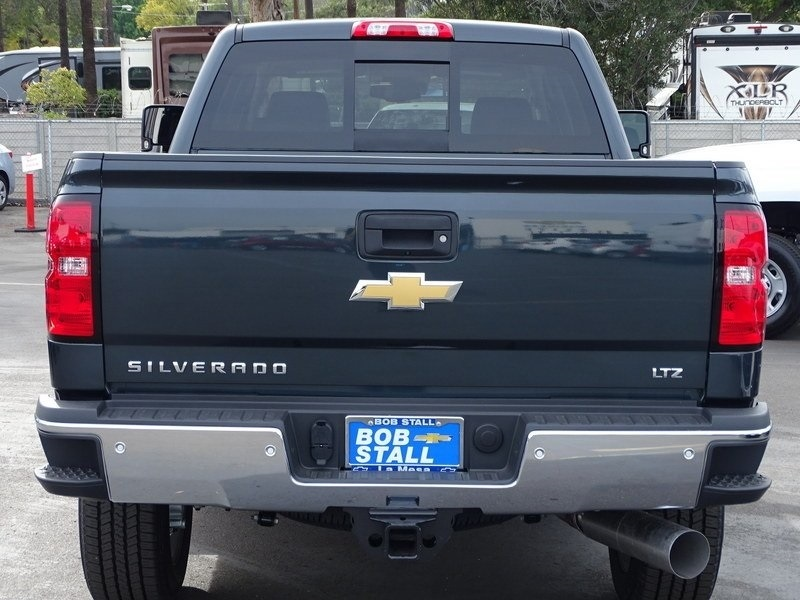 2018 Silverado 2500 Crew Cab 4x4,  Pickup #185580 - photo 2