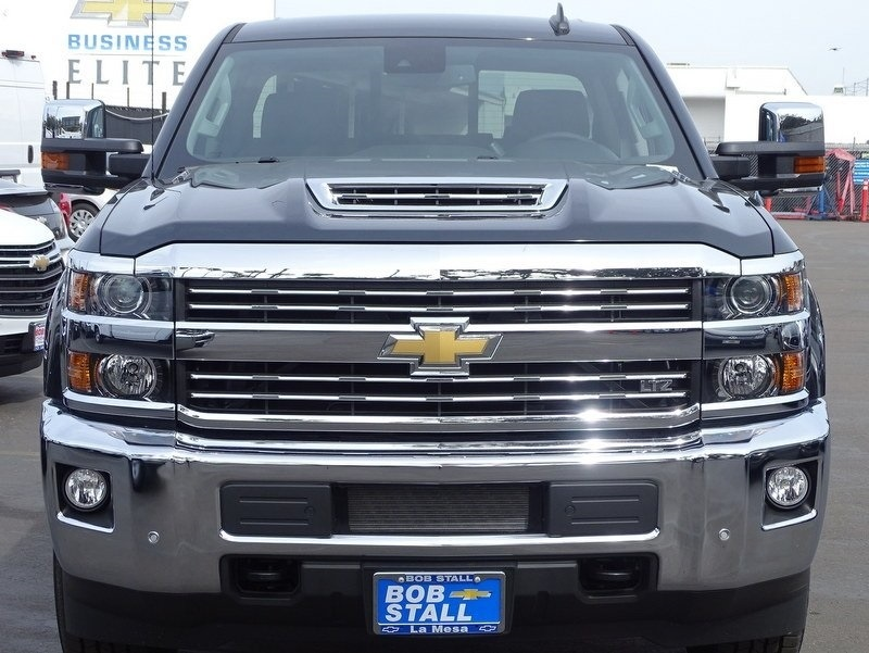 2018 Silverado 2500 Crew Cab 4x4,  Pickup #185580 - photo 4