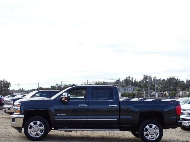 2018 Silverado 2500 Crew Cab 4x4,  Pickup #185587 - photo 3
