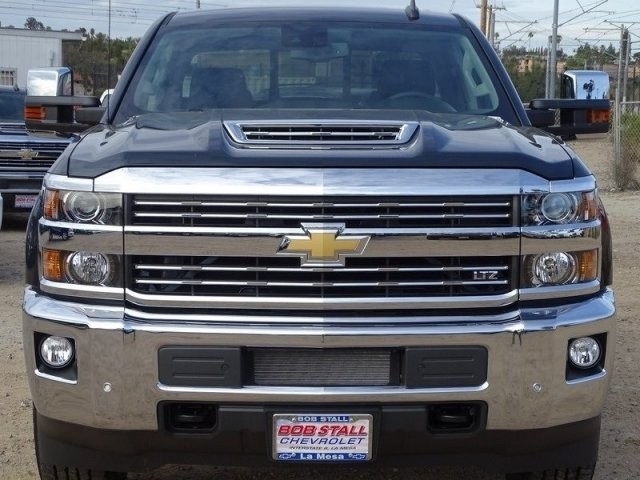 2018 Silverado 2500 Crew Cab 4x4,  Pickup #185587 - photo 4