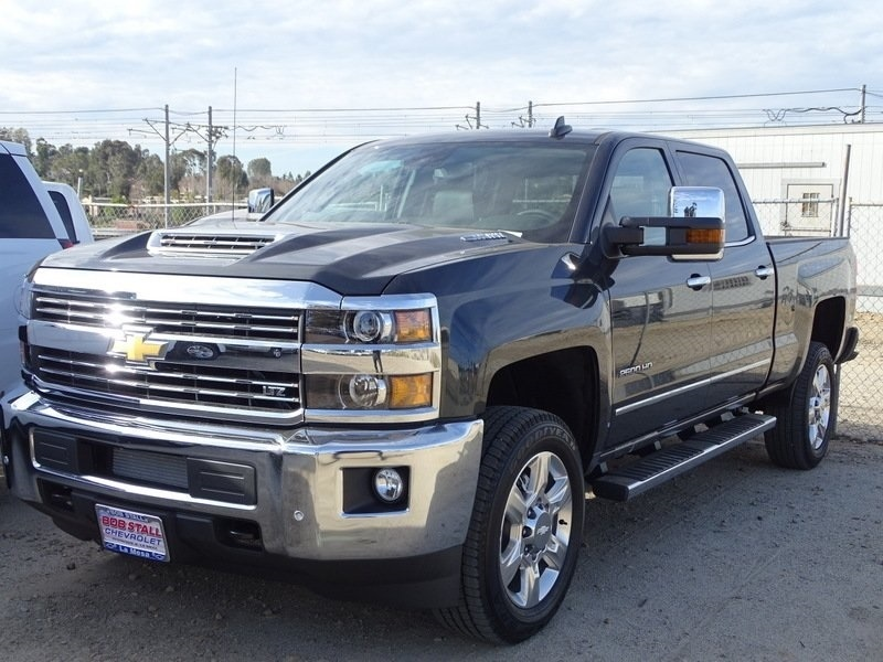 2018 Silverado 2500 Crew Cab 4x4,  Pickup #185597 - photo 3