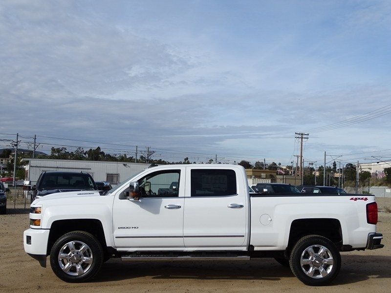 2018 Silverado 2500 Crew Cab 4x4,  Pickup #185605 - photo 3