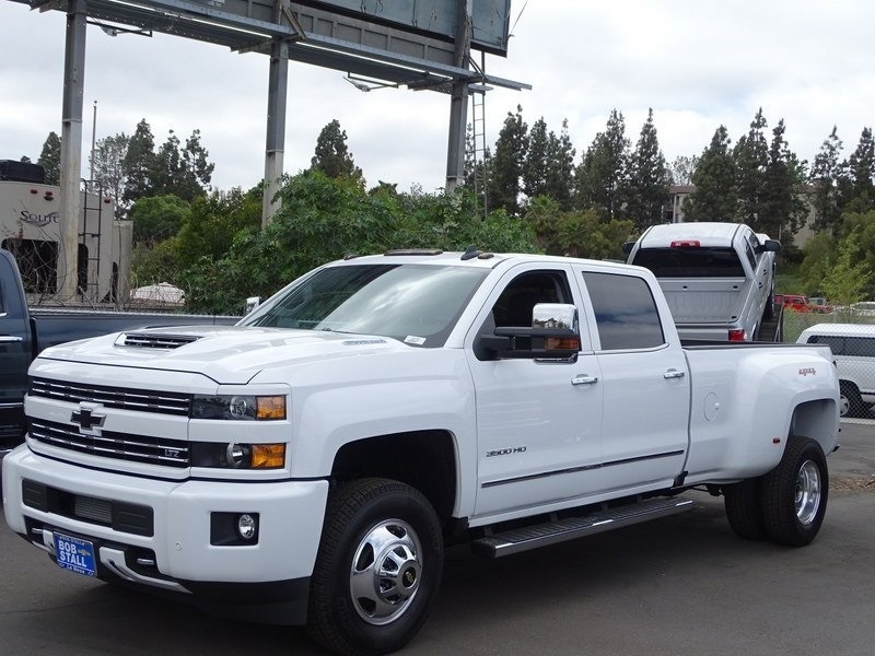 2018 Silverado 3500 Crew Cab 4x4,  Pickup #185798 - photo 4