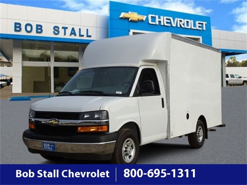 2019 Chevrolet Express 3500 4x2, Supreme Cutaway Van #193354 - photo 1