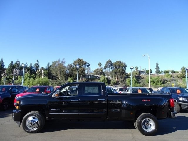 2019 Silverado 3500 Crew Cab 4x4,  Pickup #195250 - photo 3