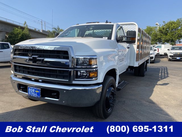 2020 Chevrolet Silverado Medium Duty Regular Cab DRW RWD, Scelzi Stake Bed #203202 - photo 1