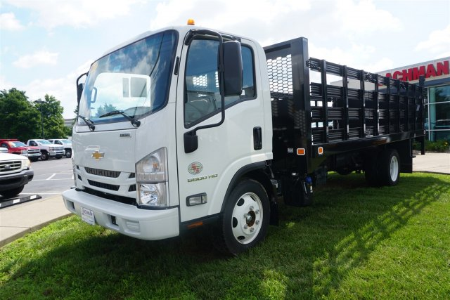 2017 LCF 5500HD Regular Cab 4x2,  Knapheide Stake Bed #17-8646 - photo 6