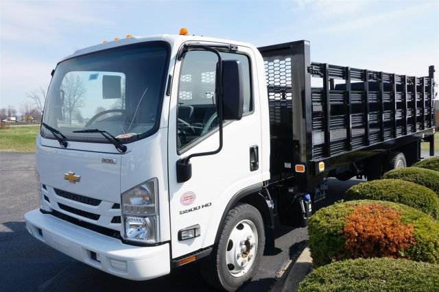 2017 LCF 5500HD Regular Cab, Knapheide Value-Master X Stake Bed #17-8646 - photo 4