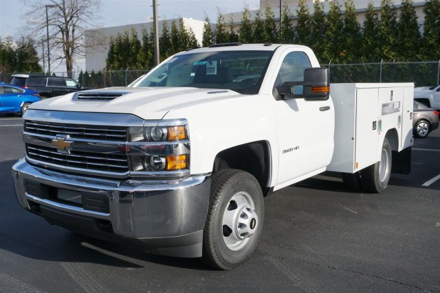 2018 Silverado 3500 Regular Cab DRW 4x2,  Reading SL Service Body #18-0634 - photo 4