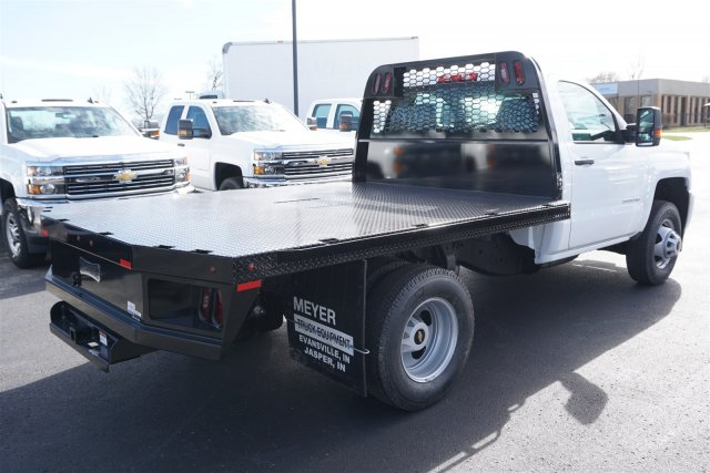 2018 Silverado 3500 Regular Cab DRW 4x4, Knapheide PGNB Gooseneck Platform Body #18-0648 - photo 2