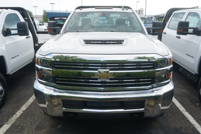 2018 Silverado 3500 Regular Cab DRW 4x2,  Knapheide PGNB Gooseneck Platform Body #18-0678 - photo 3
