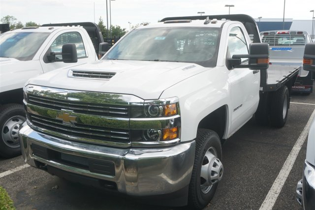 2018 Silverado 3500 Regular Cab DRW 4x2,  Knapheide PGNB Gooseneck Platform Body #18-0678 - photo 4