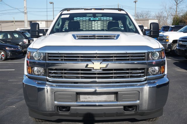 2018 Silverado 3500 Regular Cab DRW 4x2,  Knapheide PGNB Gooseneck Platform Body #18-0695 - photo 3