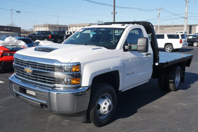 2018 Silverado 3500 Regular Cab DRW 4x2,  Knapheide PGNB Gooseneck Platform Body #18-0695 - photo 4