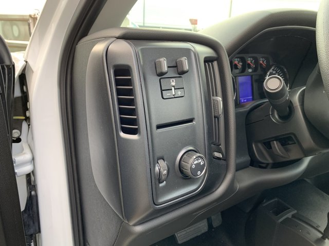2018 Silverado 3500 Regular Cab DRW 4x4,  Knapheide PGNB Gooseneck Platform Body #18-0742 - photo 8