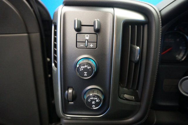 2018 Silverado 1500 Crew Cab 4x4,  Pickup #18-1554 - photo 13