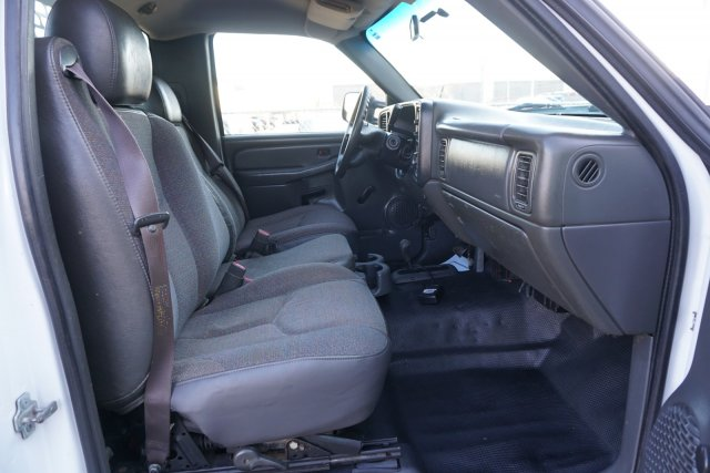 2006 Silverado 3500 Regular Cab 4x4,  Platform Body #19-3122A - photo 17