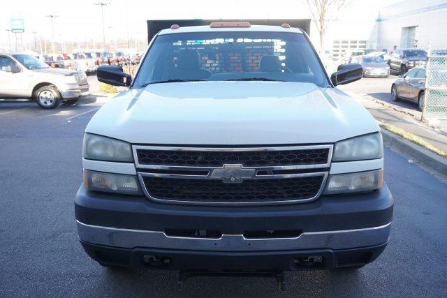 2006 Silverado 3500 Regular Cab 4x4,  Platform Body #19-3122A - photo 3
