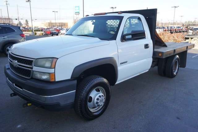 2006 Silverado 3500 Regular Cab 4x4,  Platform Body #19-3122A - photo 4