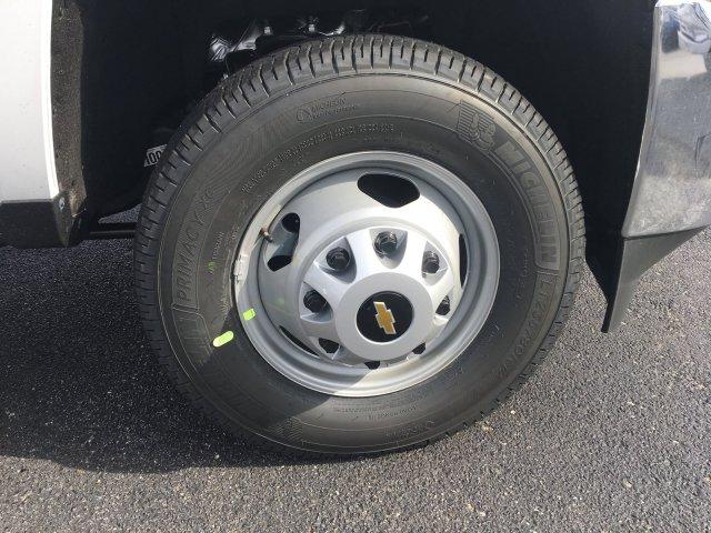 2019 Silverado 3500 Regular Cab DRW 4x4,  Knapheide Contractor Body #19-3695 - photo 10