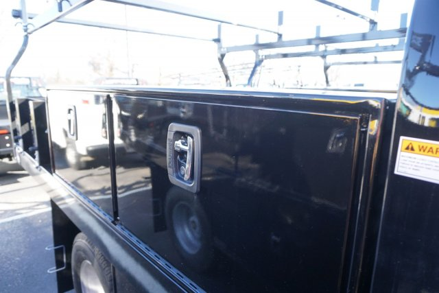 2019 Silverado 3500 Regular Cab DRW 4x4,  Knapheide Contractor Body #19-3695 - photo 21
