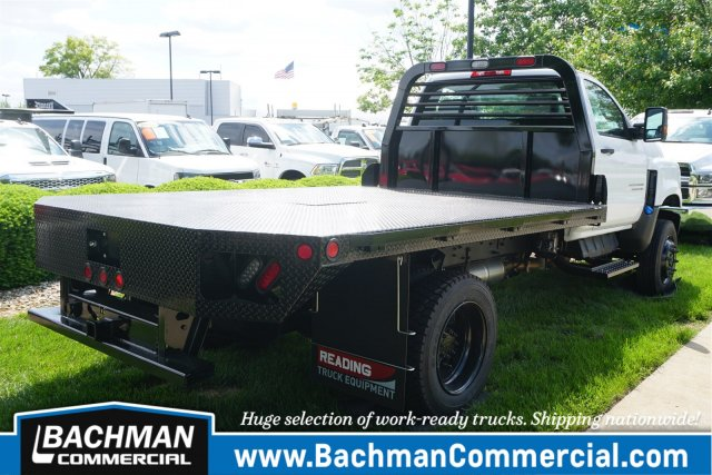 2019 Chevrolet Silverado 5500 Regular Cab DRW 4x4, Freedom Rodeo Platform Body #19-4290 - photo 2