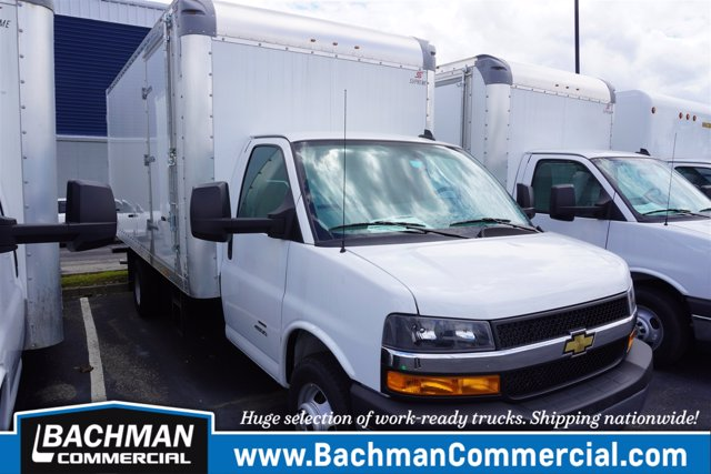 2020 Chevrolet Express 4500 RWD, Supreme Dry Freight #20-6826 - photo 1
