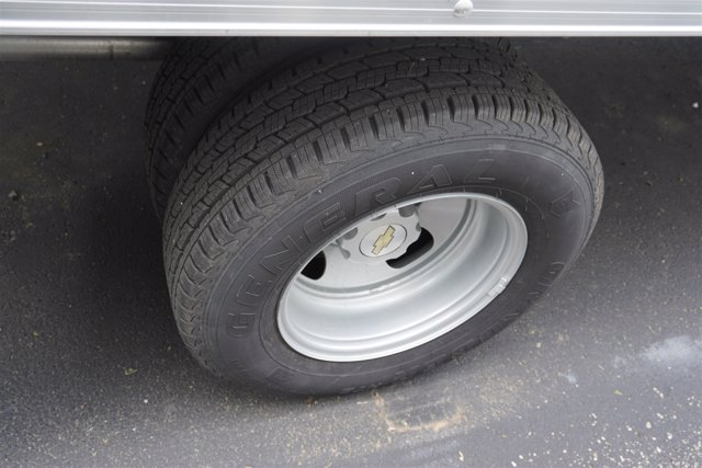 2020 Chevrolet Express 4500 RWD, Supreme Iner-City Dry Freight #20-6826 - photo 8