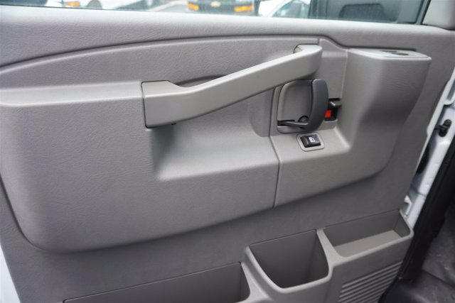 2020 Chevrolet Express 4500 RWD, Supreme Iner-City Dry Freight #20-6826 - photo 9
