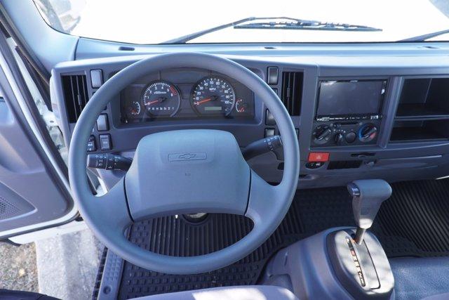 2020 Chevrolet LCF 3500 Regular Cab DRW 4x2, Wil-Ro Standard Dovetail Landscape #20-7684 - photo 15
