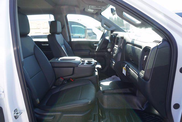 2020 Chevrolet Silverado 3500 Crew Cab DRW 4x4, Cab Chassis #20-7718 - photo 19