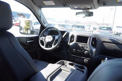 2020 Chevrolet Silverado 3500 Crew Cab DRW 4x4, Cab Chassis #20-7718 - photo 20