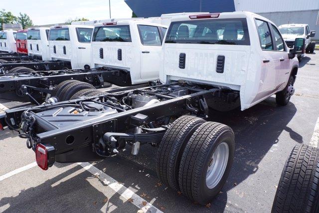 2020 Chevrolet Silverado 3500 Crew Cab DRW 4x4, Cab Chassis #20-7753 - photo 2