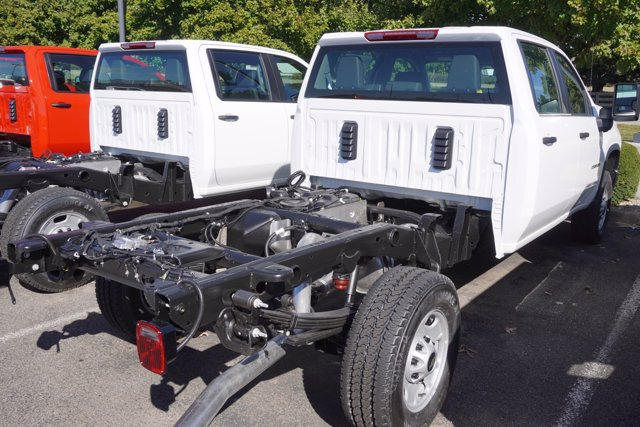 2020 Chevrolet Silverado 2500 Crew Cab 4x4, Cab Chassis #20-7897 - photo 7