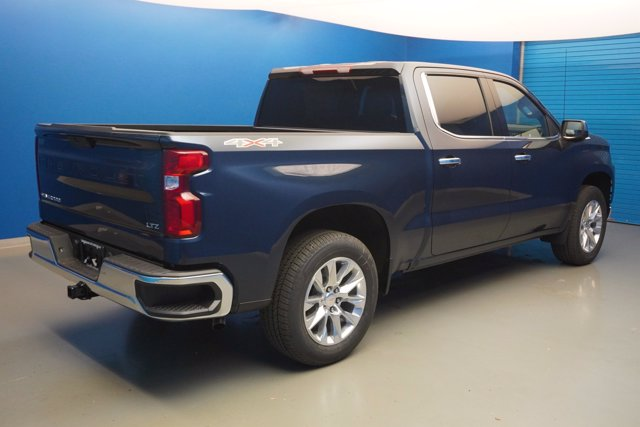 2020 Chevrolet Silverado 1500 Crew Cab 4x4, Pickup #20-7911 - photo 2