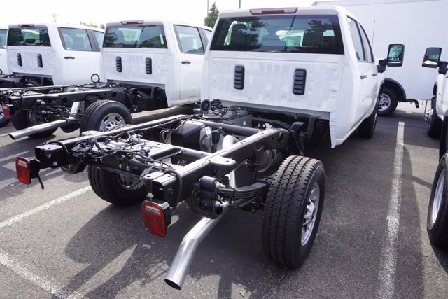 2020 Chevrolet Silverado 2500 Crew Cab 4x4, Cab Chassis #20-7919 - photo 7