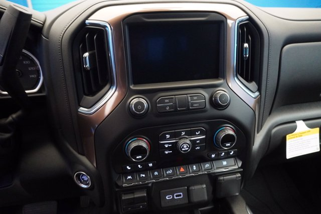 2020 Chevrolet Silverado 1500 Crew Cab 4x4, Pickup #20-7974 - photo 20